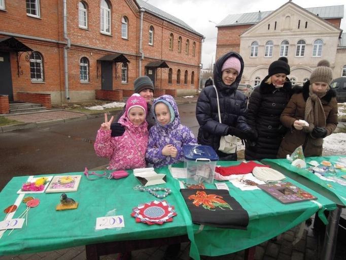 2014_12_21 Рождественская ярмарка и концерт Игоря Петрова