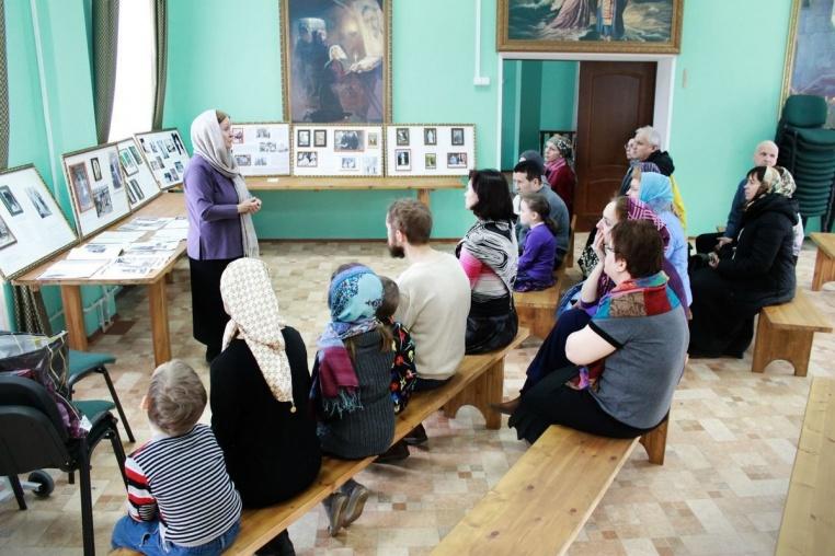 2015_03-04 Работа Елизаветинской передвижной выставки в марте и апреле