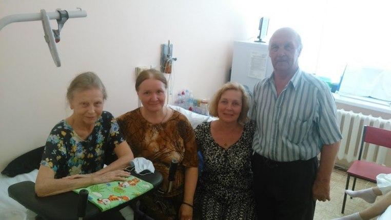2015_06_14 Служба в храме при больнице и посещение больных