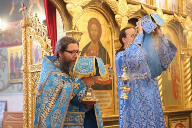 2017_08_28 Успение Богородицы, Божественная литургия