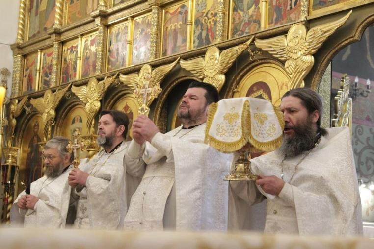 2020_01_19_Крещение Господне, Божественная поздняя литургия и раздача Агиасмы