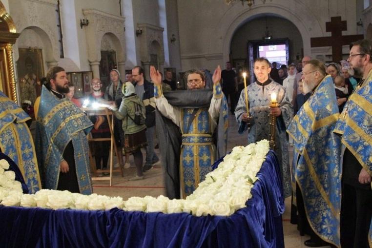 2020_08_30 Вечерня с чином погребения Богородицы