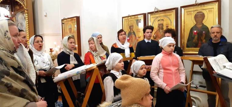 2021_01_07 Детский хор спел на Рождественской литургии