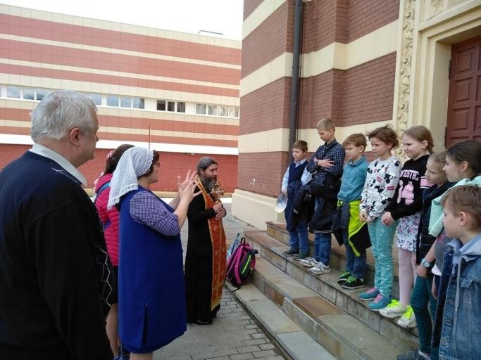 Посещение нашего храма детьми из школы-интерната № 52 6 мая 2019 года