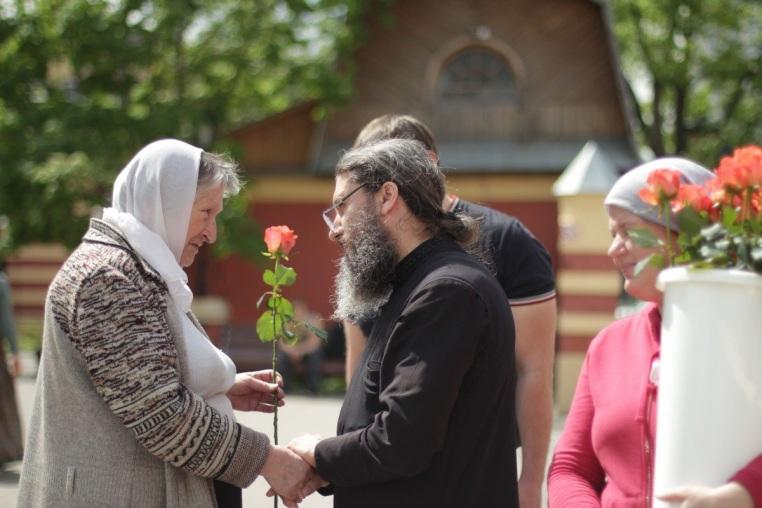 Поздравление прихожанок и сотрудниц с православным женским днем 12 мая 2019 года