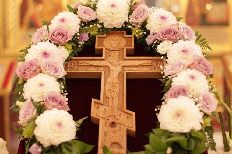 Утреня праздника Происхождение (изнесение) Честных Древ Животворящего Креста Господня, 13 августа 2018 года