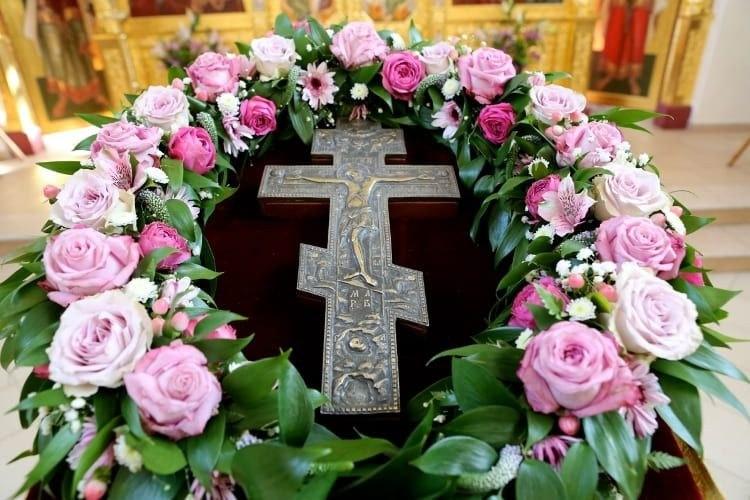 2018_03_11_Божественная литургия в Неделю 3-ю Великого поста, Крестопоклонную